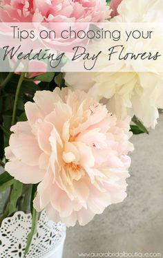Tips on choosing your wedding flowers - Aurora Bridal Accessories