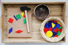Montessori for beginners - Part 2 . or Froebel& play 7 as hammers game :] 20 Creative Play Activities for Babies below 1 year Ever since Pinter. Maria Montessori, Montessori Kindergarten, Montessori Books, Montessori Classroom, Montessori Materials, Montessori Activities, Activities For Babies Under One, Sensory Activities Toddlers, Infant Activities