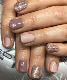 On average, the finger nails grow from 3 to millimeters per month. If it is difficult to change their growth rate, however, it is possible to cheat on their appearance and length through false nails. Get Nails, Fancy Nails, Love Nails, Pretty Nails, Hair And Nails, Fall Toe Nails, Nail Deco, Dipped Nails, Color Street Nails