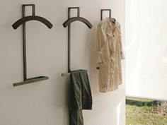 Wooden valet stand DOUBLE Logos Collection by Porada | design Paolo Salvadè