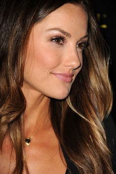 minka kelly, my new girl crush. loving her brows, blush, & fantastic ombre hair. Minka Kelly Hair, Minka Kelly Makeup, Beautiful Hair Color, Corte Y Color, Hair Affair, Ombre Hair, Trendy Hairstyles, Pretty Face, Her Hair