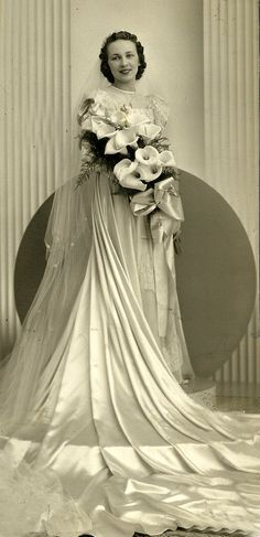 Old Michigan Wedding – 32 Gorgeous Portrait Photos of Brides in the 1930s