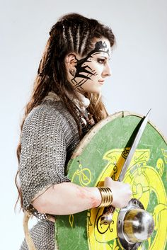 wounds, makeup, makeup artist, hairdresser, stylist, models, armor, swords, Viking, Nordic warrior, war, fur, hunter, special effects. Viajeros de arcadia.