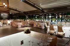 Άποψη της αίθουσας από το νυφικό τραπέζι Table Decorations, Inspiration, Furniture, Home Decor, Biblical Inspiration, Decoration Home, Room Decor, Home Furnishings, Home Interior Design