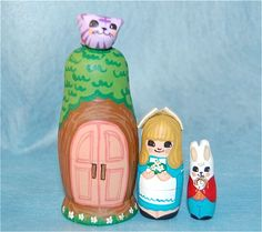 Alice in wonderland, Russian dolls    I'd so love some of these