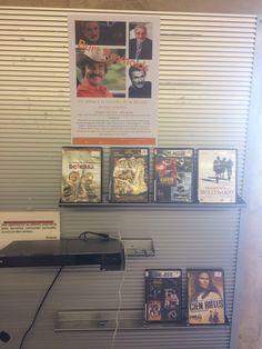 Burt Reynolds (1936-2018), un adiós a la estrella de la década de los sesenta. Expositor con una selección de sus películas en la 3ª planta, dentro de la Sección de Música y Cine. Septiembre de 2018. Burt Reynolds, Centenario, Magazine Rack, Photo Wall, Frame, Lineman, Door Prizes, September, Writers