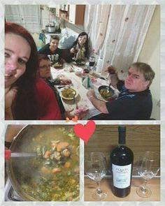 Noite de sopão e vinho com a família   #AlimentaçaoSaudável #Saudável #Dieta #Diet #Fit #Instafit #Instagood #Nutrição #Superação #Fitness #NewLife #InstaLife #Instalike #Lifestyle #Foco #semaçucar #familia #Receita #ReeducaçãoAlimentar #ReceitasFit #Emagrecimento #FocoNaDieta #Eatclean #FicaADica #Frio by fa.rossi http://ift.tt/1Twt1jt