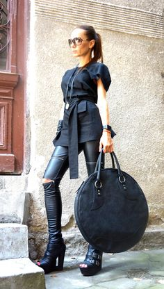 "NEW "" LIMITED Edition "" Genuine Leather Black Bag / High Quality Tote Circle…"