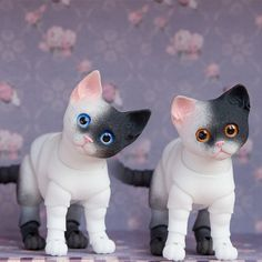 Ball-Jointed Doll Cat | 3D printed black and white ball jointed kitten 4,5 cm. BJD doll has 2 ...