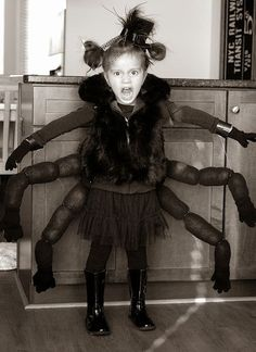 DIY Halloween Costume Ideas - including family costumes, kids costumes, adult costumes, and couples costumes. Easy Diy Costumes, Diy Halloween Costumes For Kids, Halloween 2014, Happy Halloween, Spider Costume Kids, Halloween Spider, Costume Bags, Halloween Poems, Ghost And Ghouls