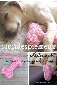 DIY-Hundespielzeug selbstgemacht. Bei uns findest du die Anleitung für einen selbstgenähten Hundeknochen- Mehr auf Craftyneighboursclub