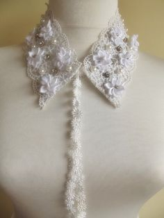 FREE SHIPPING detachable peter pan collar by trendycollars on Etsy, $20.90