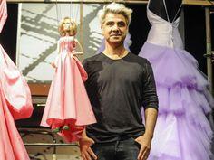 """O MorumbiShopping recebe a exposição """"O Mundo Maravilhoso do Dr. F"""", com marionetes e miniaturas de vestidos de alta costura criados por Fause Haten."""