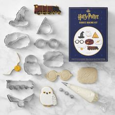 Shop harry potter from Williams Sonoma. Our expertly crafted collections offer a wide of range of cooking tools and kitchen appliances, including a variety of harry potter. Gateau Harry Potter, Cumpleaños Harry Potter, Harry Potter Cosplay, Harry Potter Birthday, Harry Potter Products, Harry Potter Wedding Gifts, Williams Sonoma, Harry Potter Cookie Cutter, Cookie Cutter Set