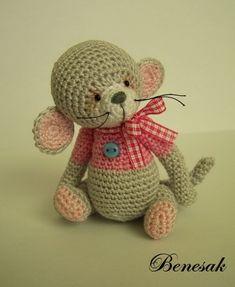 little Mouse Pink Crochet Mouse, Crochet Bear, Cute Crochet, Crochet Doll Pattern, Crochet Patterns, Knitted Animals, Bear Doll, Cute Toys, Crochet Videos