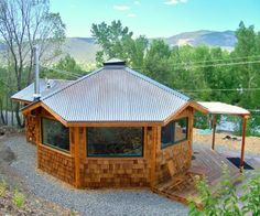 Solargons are octagonal smart cabins constructed using Structural Insulated Panels (SIPs) and the latest in Passive Solar Design Principles, representing one of the largest and most promising Advanced Building Technologies of the century. Tiny House Blog, Tiny House Design, Cabin Plans, House Plans, Octagon House, Yurt Living, Structural Insulated Panels, Log Home Decorating, Dome House