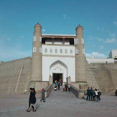 """Die alte Festung """"Zitadelle Ark"""" mit traumhaftem Blick auf die Altstadt von Buchara #taipan_usbekistan #usbekistan #buchara"""