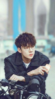 Exo, sehun, oh se hun, glasses Kpop Exo, Baekhyun Chanyeol, Park Chanyeol, Foto Sehun Exo, Sehun Vivi, Exo Kai, Kdrama, K Pop, Luhan And Kris