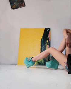 Outstanding pictorial art on beautiful colorful background by a modern artist in realism techniques. Sketches Of People, Art Sketches, Modern Artists, Contemporary Artists, Art Series, Cool Backgrounds, Yellow Painting, Acrylic Painting Canvas, Cool Artwork