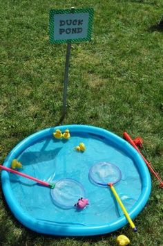 Catch a duck and win a prize. See more barnyard birthday party and birthday par… Catch a duck and win a prize. See more barnyard birthday party and birthday parties for kids on www. Farm Animal Party, Farm Animal Birthday, Farm Birthday, Birthday Party Games, Peppa Pig Party Games, Farm Party Games, Birthday Ideas, Farm Games, Fishing Party Games