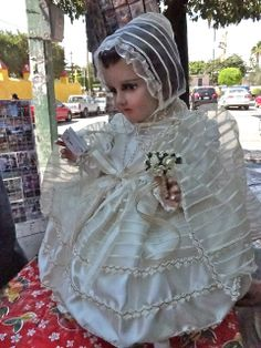 Jesus Clothes, Outdoor Kitchen Design, Blessed Virgin Mary, Baby Jesus, Family Traditions, Religious Art, Harajuku, Kids Outfits, Ruffle Blouse