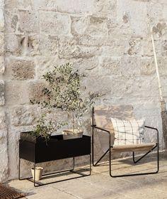 Minimalist Outdoor Furniture, Outdoor Furniture Design, Modern Furniture, Jardiniere Design, Plant Box, Lounge Design, Design Design, Design Shop, Arquitetura