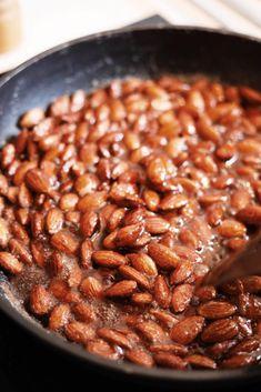 Brændte mandler - Opskrift på lækre hjemmelavede brændte mandler Hygge, Snacks, Beans, Thanksgiving, Vegetables, Country, Food, Christmas, Xmas