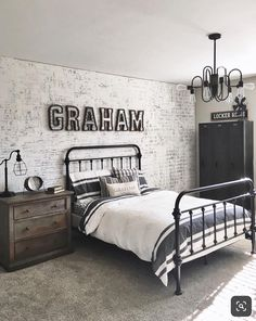 Looking for the best teenage boy bedroom ideas? Read this post for 30 brilliant teenage boy bedroom design ideas. Looking for the best teenage boy bedroom ideas? Read this post for 30 brilliant teenage boy bedroom design ideas. Cool Bedrooms For Boys, Big Boy Bedrooms, Boys Bedroom Decor, Awesome Bedrooms, Teen Boy Rooms, Teen Bedroom Boys, Preteen Boys Room, Little Boy Bedroom Ideas, Cool Boys Room