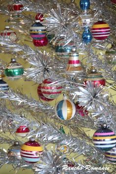 Vintage Mid-Century Shiny Brite Ornaments & the aluminum tree! Antique Christmas, Christmas Past, Vintage Christmas Ornaments, Modern Christmas, Vintage Holiday, Beautiful Christmas, Christmas Holidays, Christmas Bulbs, Christmas Crafts