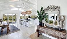 The Grove Byron Bay ➳ just met the woman of my interior decorating dreams. located in the Byron Hinterland is available for weddings and holiday rental. Style At Home, Home Interior, Interior And Exterior, Casa Pizza, The Grove Byron Bay, Br House, Tiny House, My New Room, Home Fashion