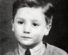 A very young John Lennon. Little boy. George Harrison, Paul Mccartney, John Lennon, Celebrities Then And Now, Young Celebrities, Celebs, Ringo Starr, Young John, People Of Interest