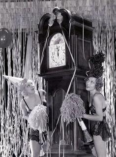 Dorothy Lee fête la nouvelle année avec une copine
