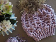 Lille konglelue – Ingrid Tunheim Winter Hats, Knitting, Fashion, Threading, Moda, Tricot, Fashion Styles, Breien, Stricken