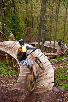 OMG, this looks like fun. Copper Harbor bike trails