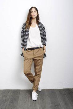 Pantalon d'homme beige + haut oversize                                                                                                                                                                                 Plus