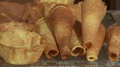 Krumkaker er en av juleklassikerne, men de serveres året rundt enten som tilbehør til kaffekosen eller som dessert servert med pisket krem og bær. Se «Syv... Sweet Potato, Potatoes, Vegetables, Food, Potato, Essen, Vegetable Recipes, Meals, Yemek