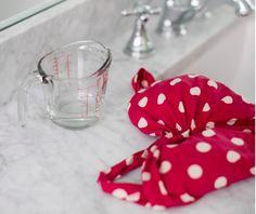 Sie giesst Essig in ihre Waschmaschine. Wenn Du siehst warum, machst Du es sofort nach.   LikeMag   We like to entertain you