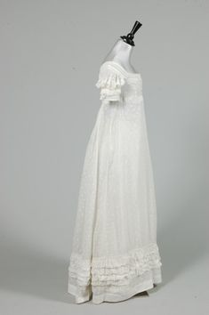 A little late for the Regency, but gorgeous! A sprigged muslin day dress, circa embroidered overall with minute leaves and flowerheads, puffed cutwork sleeves edged in ruffles of muslin, similar broad ruched band to hem. 1800s Fashion, 19th Century Fashion, Vintage Fashion, Historical Costume, Historical Clothing, Regency Dress, Regency Era, Betsey Johnson, Vintage Dresses