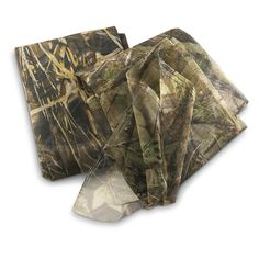 Camo Mesh Netting is an easy to use essential for Camo Weddings. You could use it to create a bridal canopy under which to wed, or to decorate a gift table. Or, it can be cut into small squares to wrap around party favors and tie with a green bow! Fabulous to use instead of crinoline or nylon netting for the bridal bouquet too. The possibilities are only limited by your imagination!