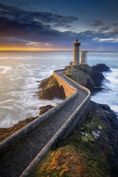 Lighthouse Brest - Bretagne - France The Phare du Petit Minou is a lighthouse in the roadstead of Brest, standing in front of the Fort du Petit Minou, in the commune of Plouzané. By aligning it with the phare du Portzic, it shows the safe route to follow for ships to enter the roadstead. It also has a red signal that indicates a dangerous sector around the plateau of les Fillettes (literally the girls), one of the submerged rocks in the goulet of Brest