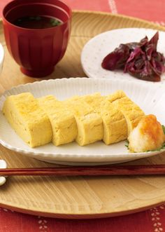 だし巻き卵 Dashimaki Tamago (Rolled Omelet) My Japanese husband makes the BEST tamagoyaki!