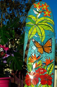Stained Glass Patterns, Mosaic Patterns, Fish Surfboard, Mosaic Projects, Mosaic Ideas, Mosaic Flower Pots, Mosaic Artwork, Acrylic Painting For Beginners, Palmiers