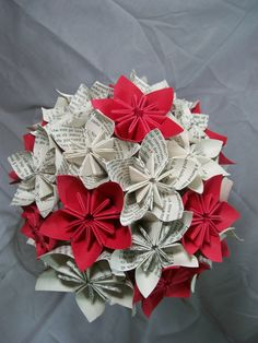 Book Paper Flower Bouquet - Red Flowers - Origami - Kusudama Love this idea but with orange instead of red...