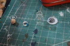 帆船の模型 その5 | yuki*のブログ Miniature Crafts, Miniture Things, Craft Tutorials, Yuki, Miniatures, Stud Earrings, Lights, Blog, Angeles