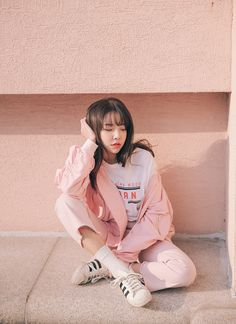 Blouson, Printed T-Shirt, & Frayed Pants Set : Blouson, Printed T-Shirt, & Frayed Pants Set Korean Fashion Styles, Korean Street Fashion, Asian Fashion, Korea Style Fashion, Ulzzang Fashion, Ulzzang Girl, Ulzzang Korea, Korean Ulzzang, Cute Fashion