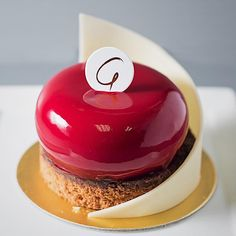 103 mentions J'aime, 1 commentaires - @patisserieg sur Instagram: «Experience the Bombe Cherise. Dark Chocolate Sponge & Mousse with Kirsch-soaked Cherries. An…»