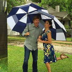 Trying to play it cool in the down pour but mama doesn't like getting wet! #immelting #FixerUpper #revealday @hgtv