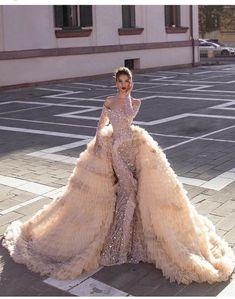 Stunning Dresses, Beautiful Gowns, Elegant Dresses, Formal Dresses, Dream Wedding Dresses, Bridal Dresses, Wedding Gowns, Ivory Wedding, Dress Cake