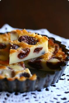Cherry Clafoutis authentic French recipe I love and have made many times! from Foodbeam French Dishes, French Desserts, Just Desserts, Delicious Desserts, Dessert Recipes, Yummy Food, French Recipes, French Food, Brownie Cheesecake