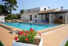 Charmante maison avec piscine privée typique menorque avec grande terrasse carrelée.